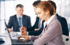 Как работать женщине в мужском коллективе