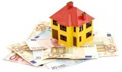 Как вложить деньги в недвижимость